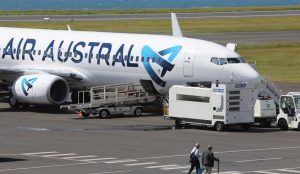 Un avion Air Austral à Saint-Denis (Crédits photo: JIR)