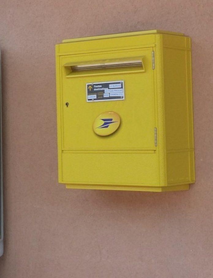 Les courriers et colis acheminés vers l'extérieur grâce au pont aérien
