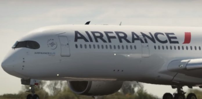 Air France, Air Austral, Corsair,Djebbari, Mayotte, Lecornu