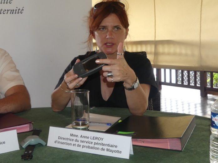 Bracelet anti-rapprochement, Téléphone grave danger, Mayotte